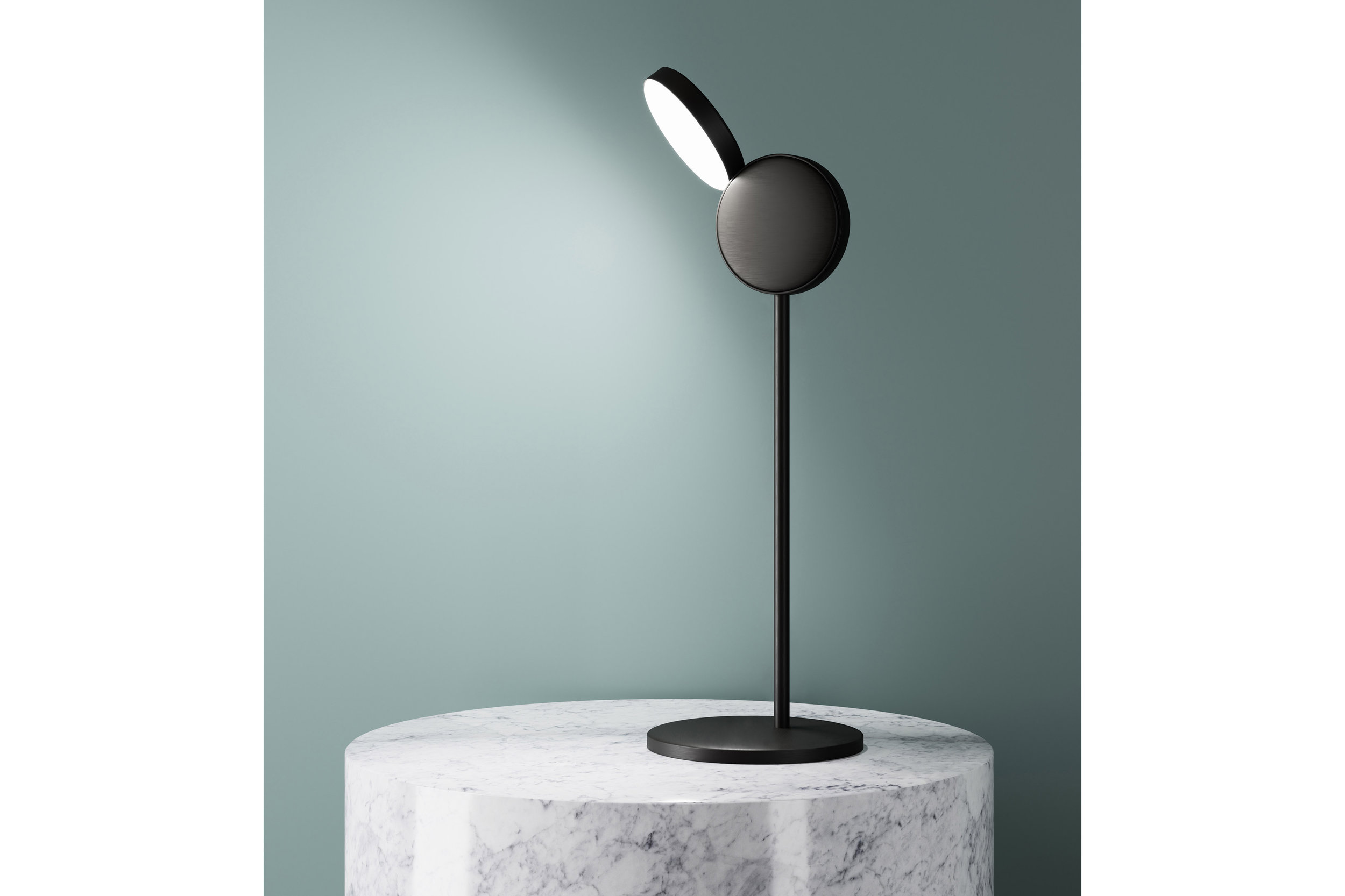 optunia-lamp-collection-klaesson-coivisto-rune-fontana-arte-lighting-milan-2017_dezeen_2364_col_4.jpg