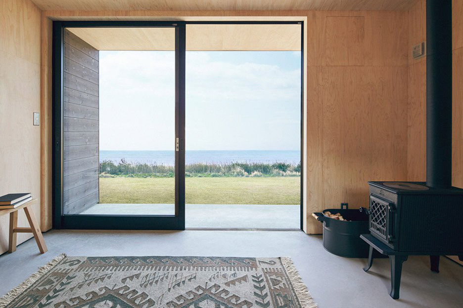 muji-huts-architecture-residential-micro-homes_dezeen_936_col_4.jpg
