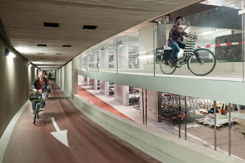 worlds-largest-bike-parking-garabe-netherlands-designboom-001.jpg