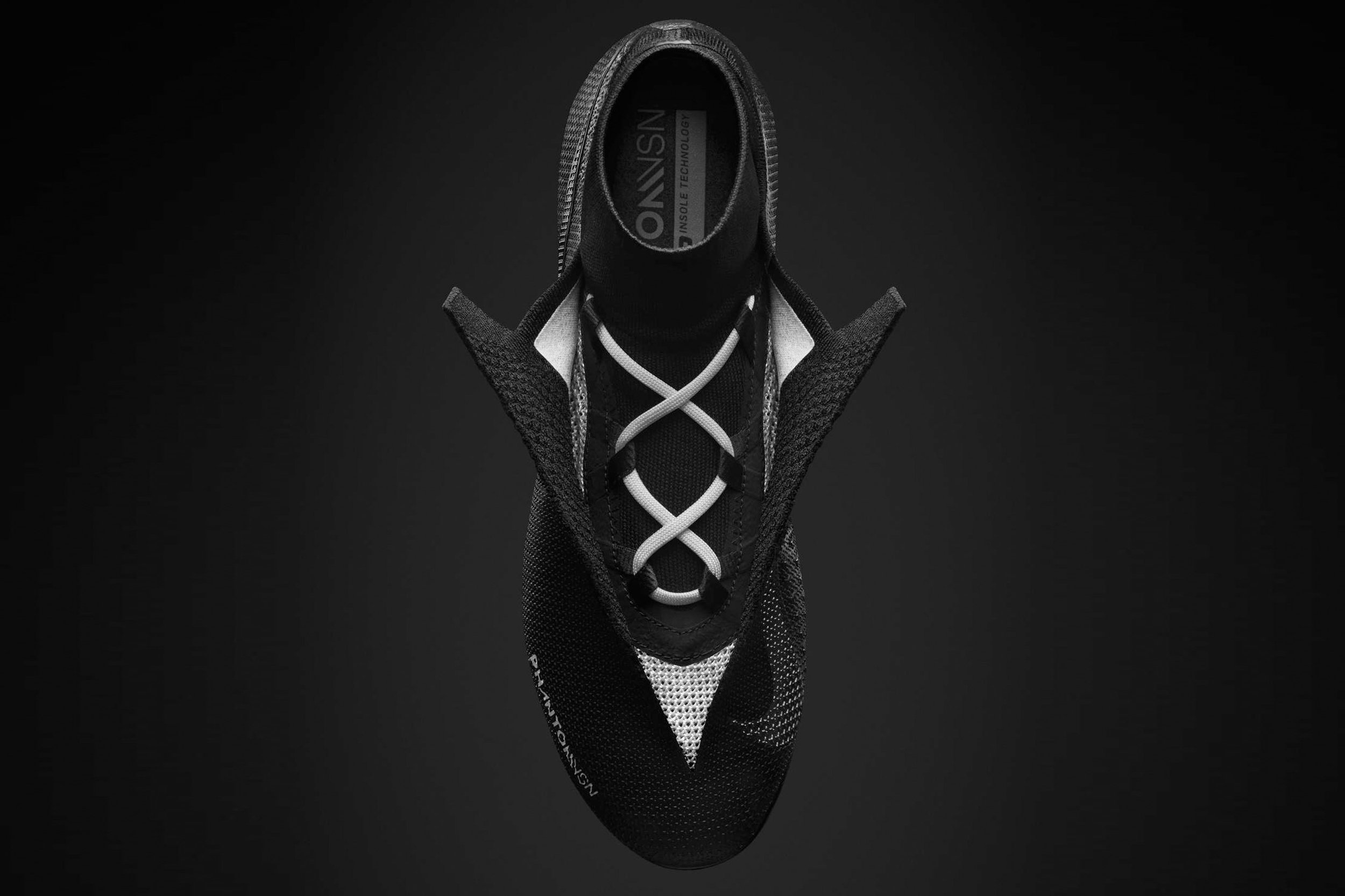 nike-phantom-football-boot-design_dezeen_2364_col_3.jpg