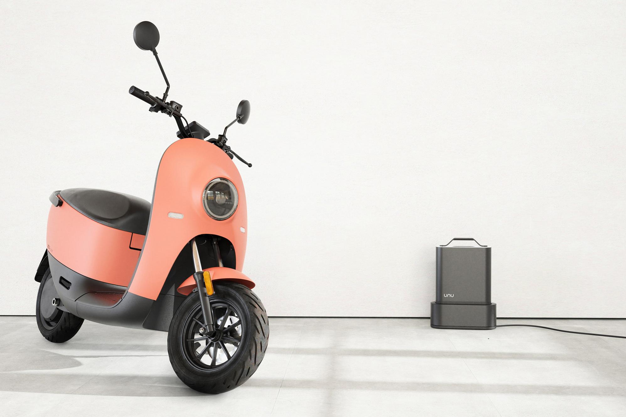 Unu-scooter_dezeen_2364_col_8.jpg
