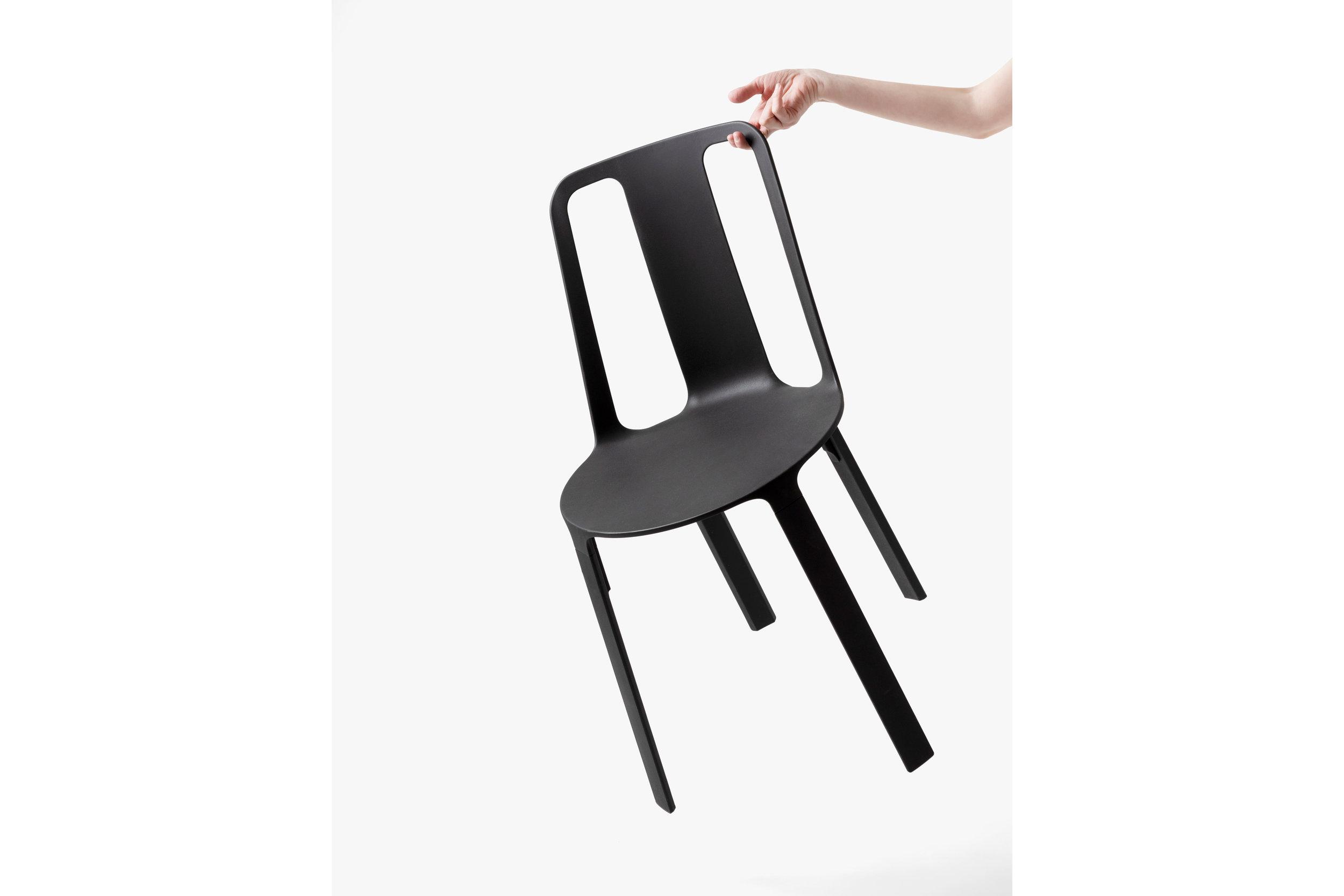 Vela-chair_dezeen_2364_col_1.jpg
