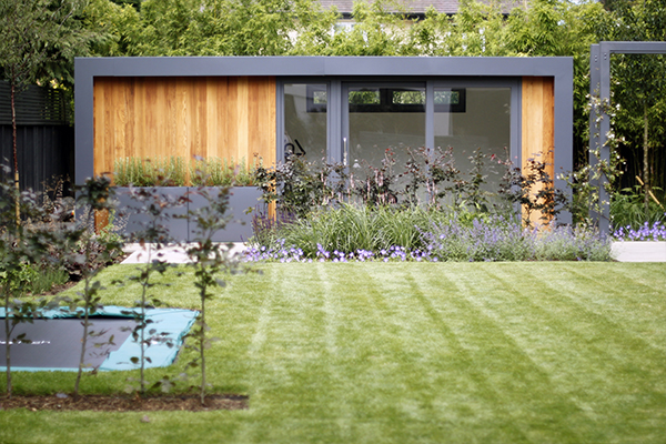 Garden studio in Richmond Park Garden Design