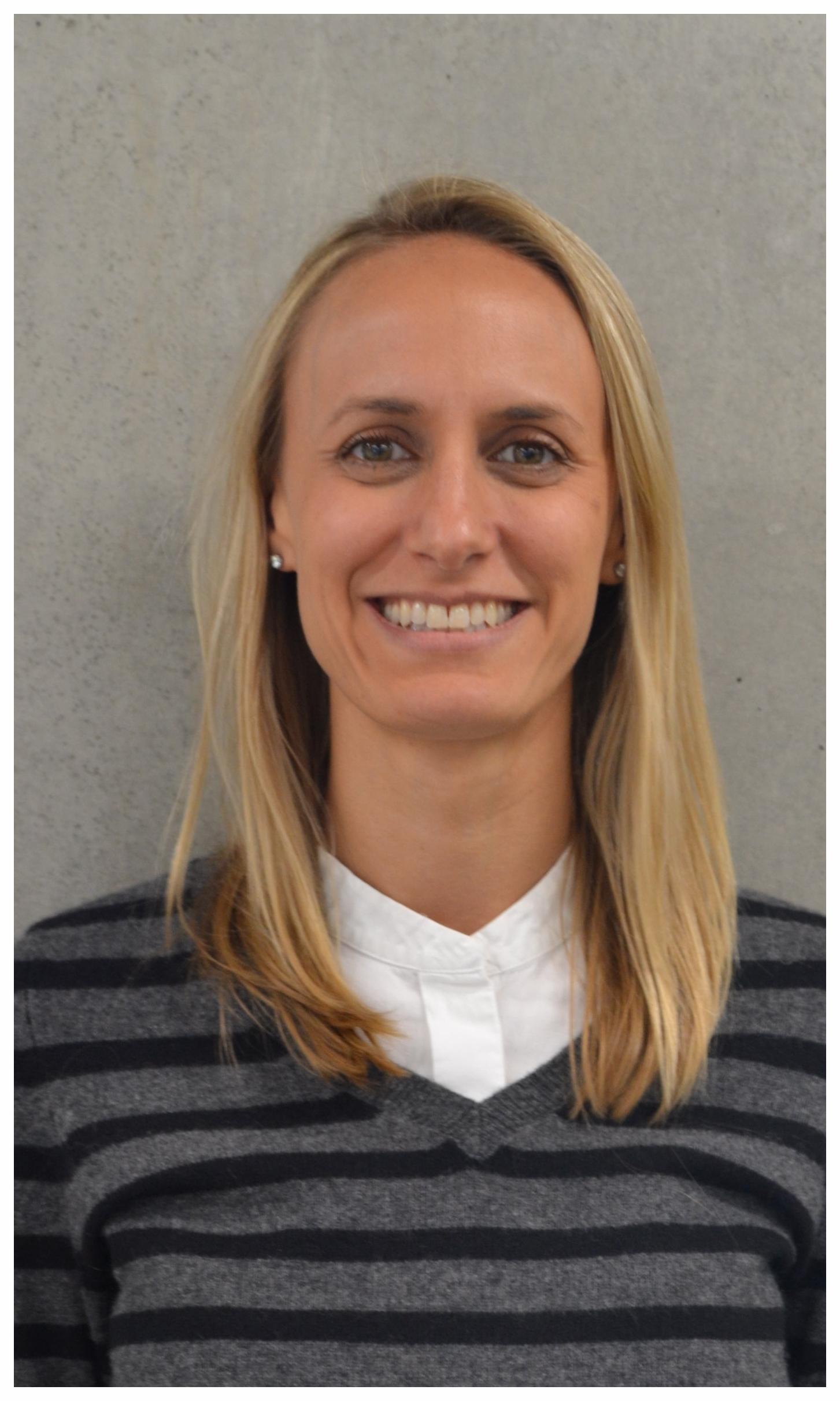 Catherine Prentke Headshot.jpg