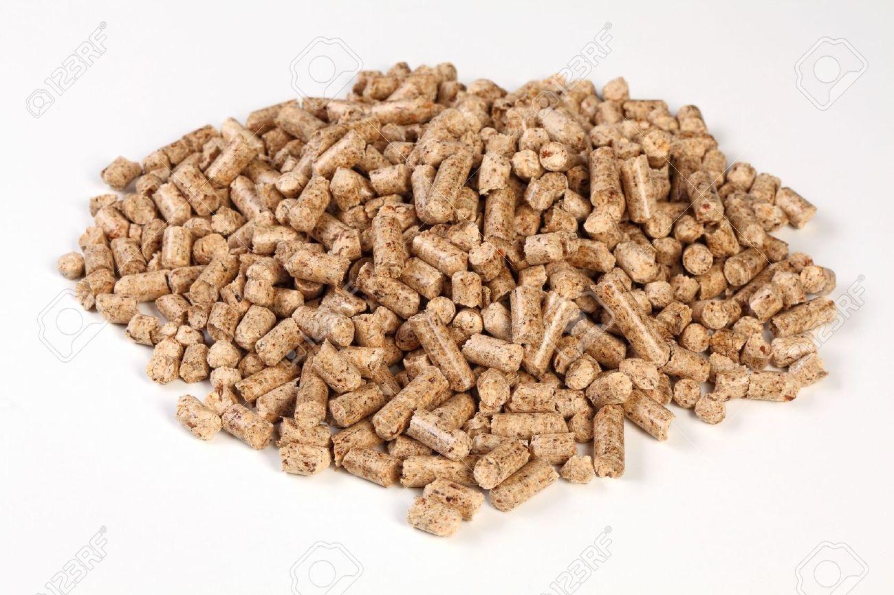 6549377-fine-closeup-image-of-natural-wood-pellet-on-white-Stock-Photo.jpg