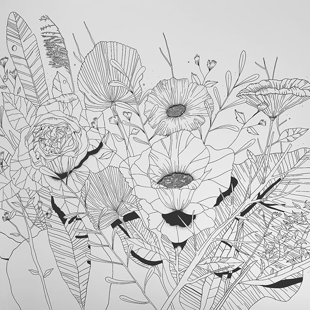 When you're a floral stylist and you have this idea of a botanical, authentic mural for the nursery 〰️ A detail shot of our wall (it's even bigger & better in real life!) created w/ a selection of my favorite flowers and leaves by the amazing Ninthe 🌿💚 . . . #mural #muurtje #onpoint #leaves #flowers #sketch #nursery #38weeks #floralstylist #botanicaltheme #butnotarandomwallpaper #hopebabylikesit