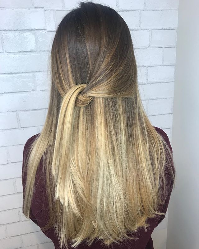 Soft balayage with pretty $$ pieces done by our stylist 👸🏼@beautybyleeann @lee_ann5