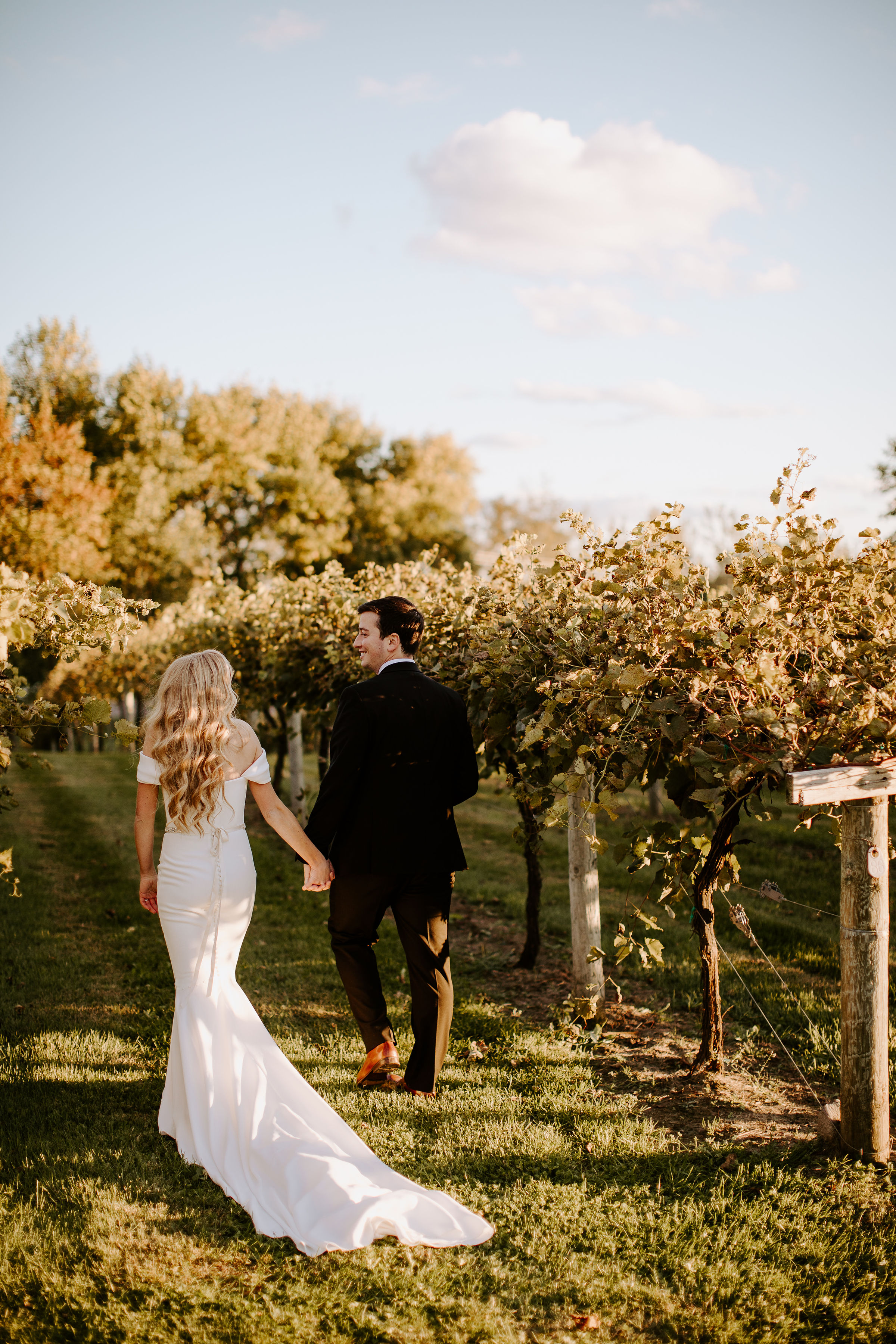 Winehaven-Winery-Wedding-Bride-and-Groom-Minneapolis-MN.jpg
