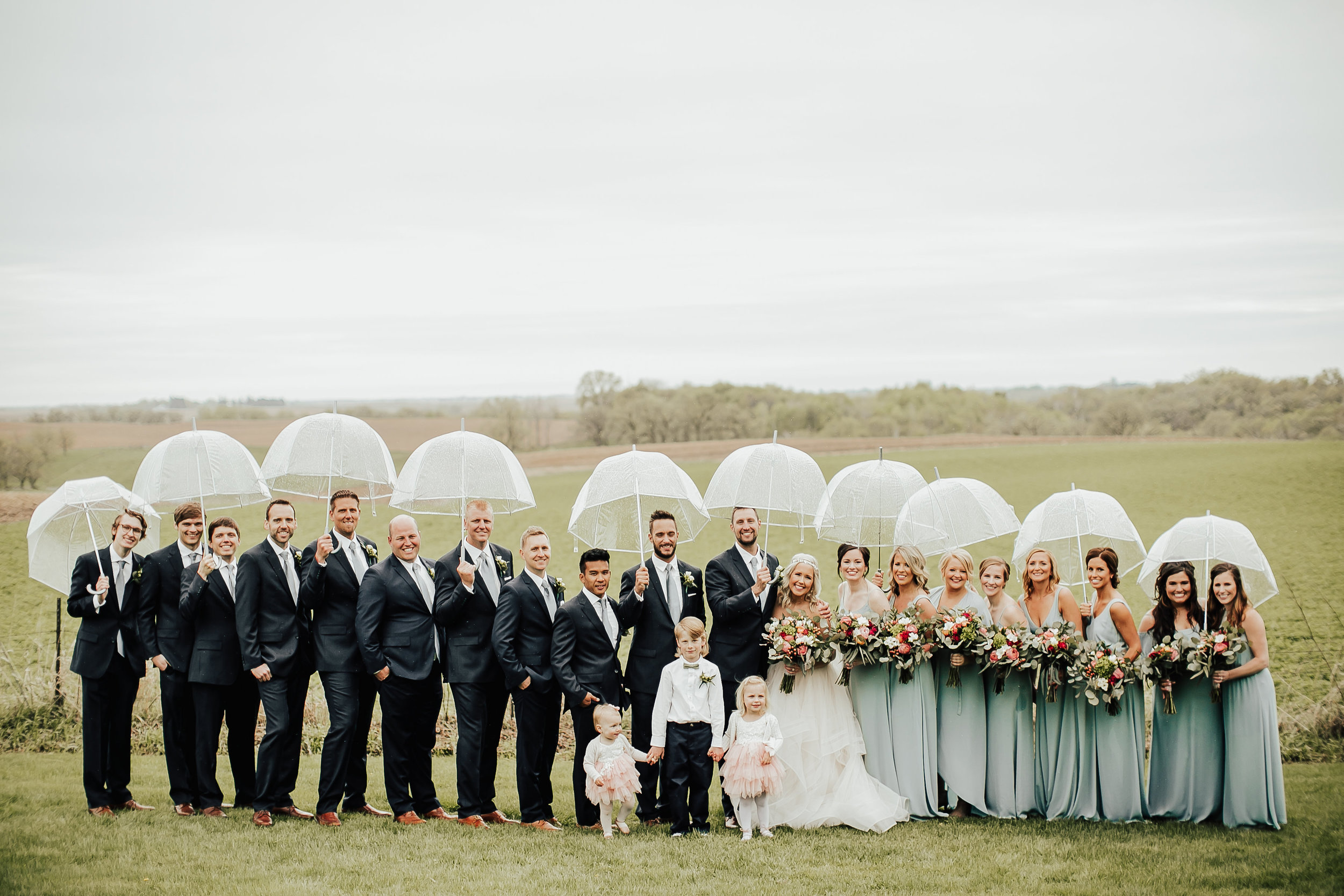 Legacy-Hil-Farm-Wedding-Wedding-Party-MN.jpg