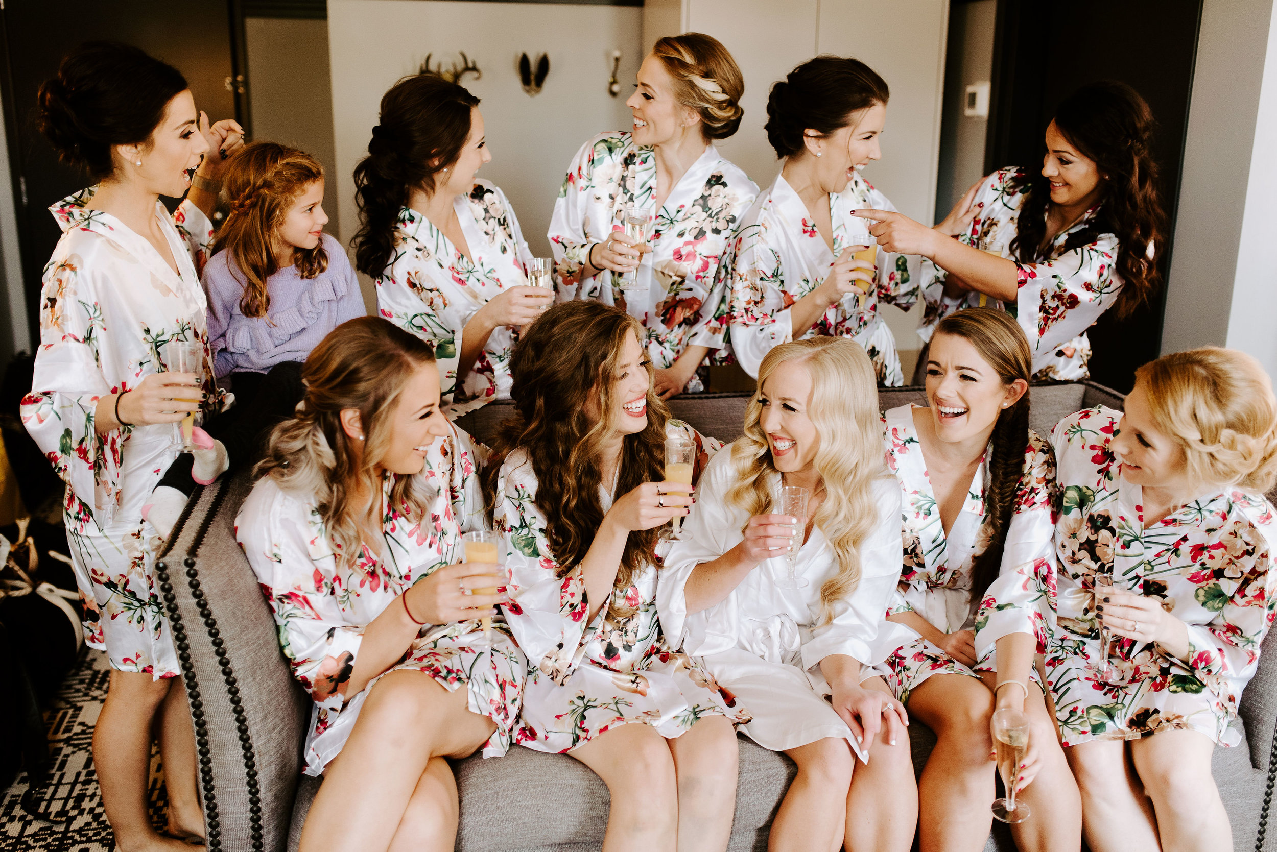 Winehaven-Winery-Wedding-Bridesmaids-Minneapolis-MN.jpg