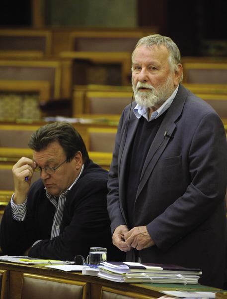 Tellér Gyula már a Fidesz padsoraiban (Kovács Attila felvétele)