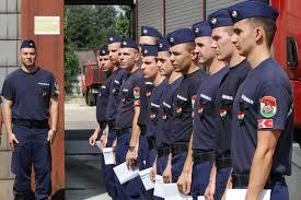 Dunaújvárosi tűzoltók. Jogállásuk szerint ők is katonák
