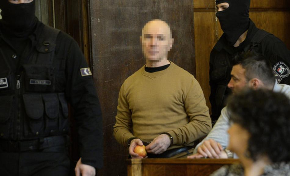 A robbantós Jozef Roháč. 2017. május 19-én, Budapesten, jogerősen életfogytiglani fegyházra ítélték