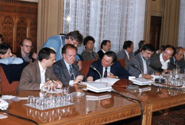 Ellenzéki kerekasztal, 1989. Tárgyalás az alkotmányról