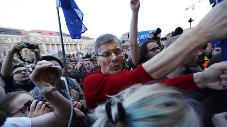 Demszky Gábor egy tüntetésen