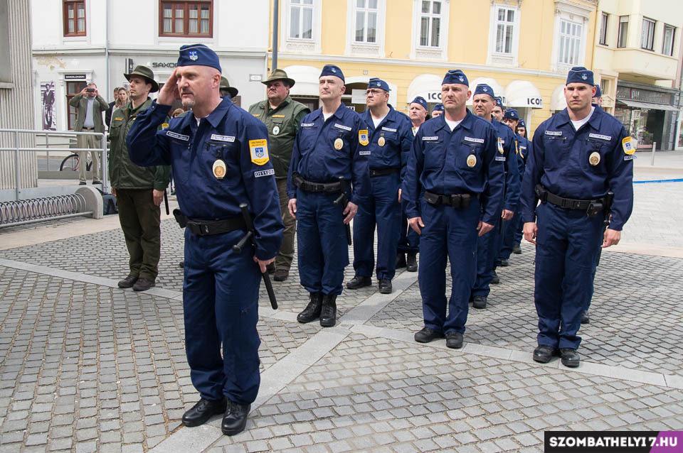 Nem rendőrök, közterület-felügyelők. Szombathely