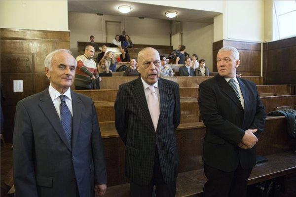"""Gergényi Péter a bíróság előtt. A kétbalkezes """"Vasprefektus"""""""