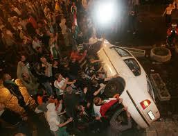 Erőszakos tüntetők a TV-székház előtt  2006. szeptember 18.