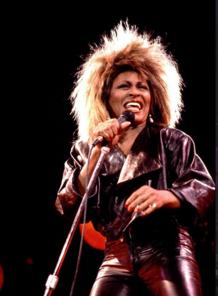 Sotetseg es fennhej Tina Turner 2.jpeg