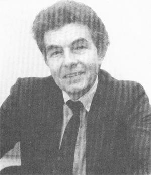 Csikós József rendőr ezredes, a Belügyminisztérium  sajtósa, az MSZMP agitációs-propaganda osztályának helyettes vezetője, 1989. december 1-től a BM Adatfeldolgozó Hivatala vezetője, 1996-tól az Energol Rt. vezérigazgatója