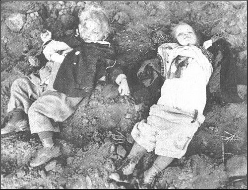 Nemmersdorf kelet-poroszországi faluban,  1944. október 21-én az előretörő szovjet csapatok  civil lakosokat, köztük gyerekeket öltek meg