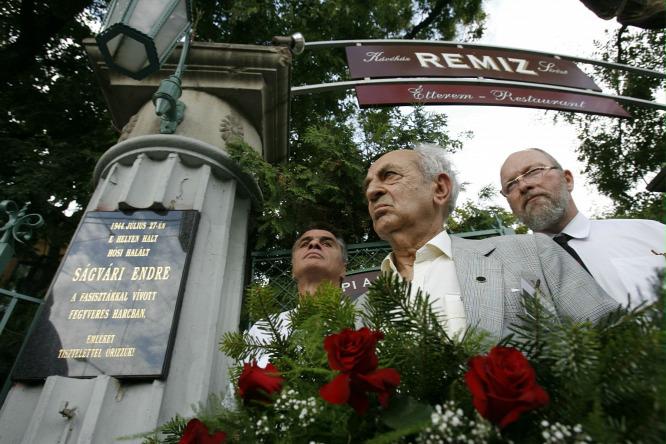 2007-ben újra elhelyezték Ságvári Endre  emléktábláját halálának helyszínén