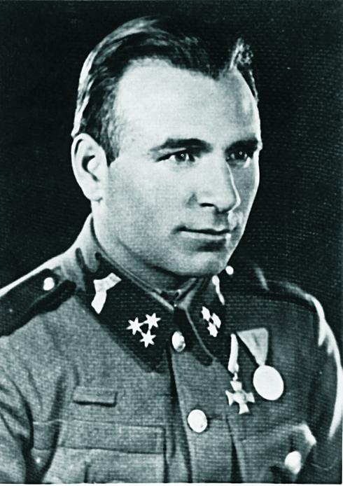 Kri stóf László csendőrnyomozó,   1942  (Magyar Nemzet)