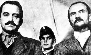 Endre László és Baky László Népbíróság előtt. Mindkettőjüket halálra ítélték és kivégezték