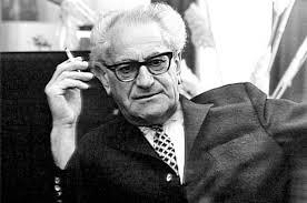 Fritz Bauer hesseni főállamügyész. A támadások ellenére haláláig (1968) hivatalában maradt