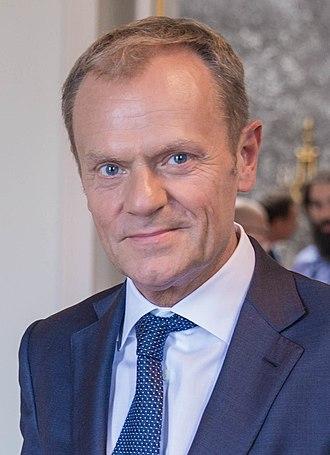 Donald Tusk, a jobbközép centrumpárt vezetője,  2007-től 2014-ig Lengyelország miniszterelnöke