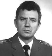Belovai István alezredes, a magyar hírszerzés tisztje,  jelezte a CIA-nak, hogy a magyar titkosszolgálaton  keresztül szupertitkos amerikai dokumentumok  áramlanak a szovjet hírszerzéshez. Életfogytiglani  szabadságvesztésre ítélték, 1990-ben szabadon  bocsátották, rehabilitálását azonban nem sikerült  elérni