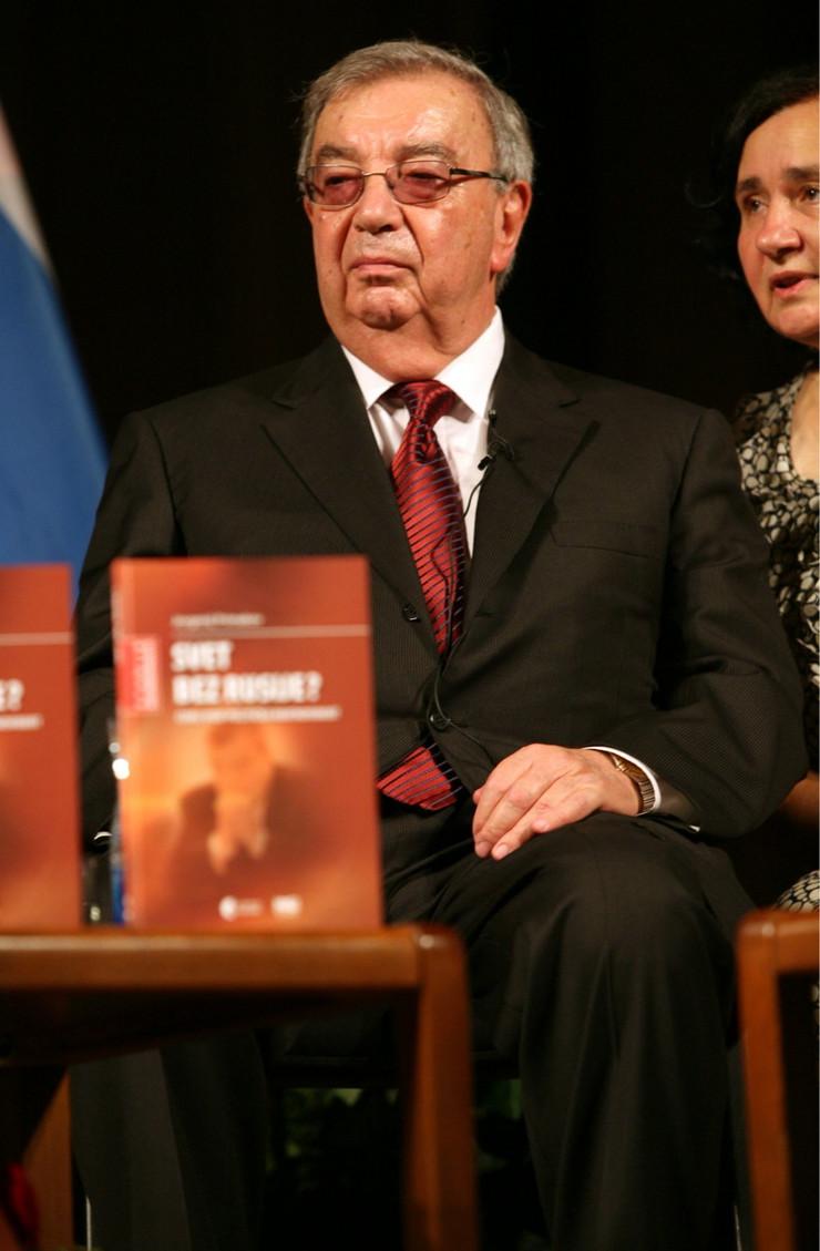 Jevgenyij Primakov orosz külügyminiszter  (1996–1998), majd miniszterelnök