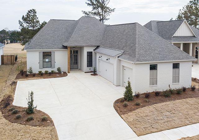 #120GreenWayLane 39110. 4/3 2400sqft Located in new phase Links V of Caroline.  #porticohomes #forsale #lakecaroline #golfcourse