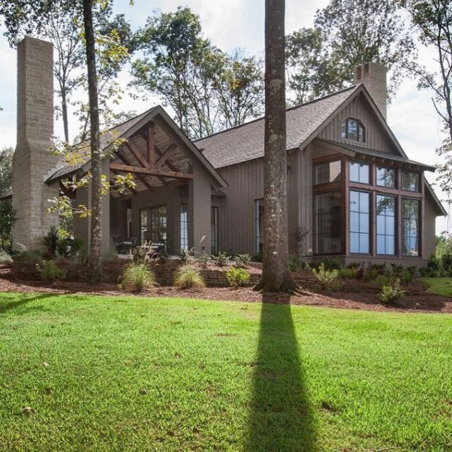 Happy Labor Day Weekend 🙌 #porticohomes #labordayweekend #mississippi #madisoncounty #build