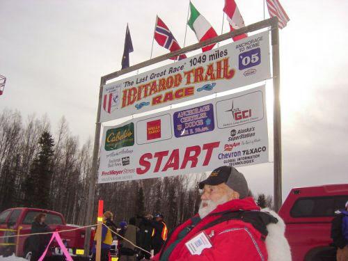 18107-TAT--Pic-Norman-Vaughn-Iditarod-2005-3-6-05-IDITAROD-START.jpg