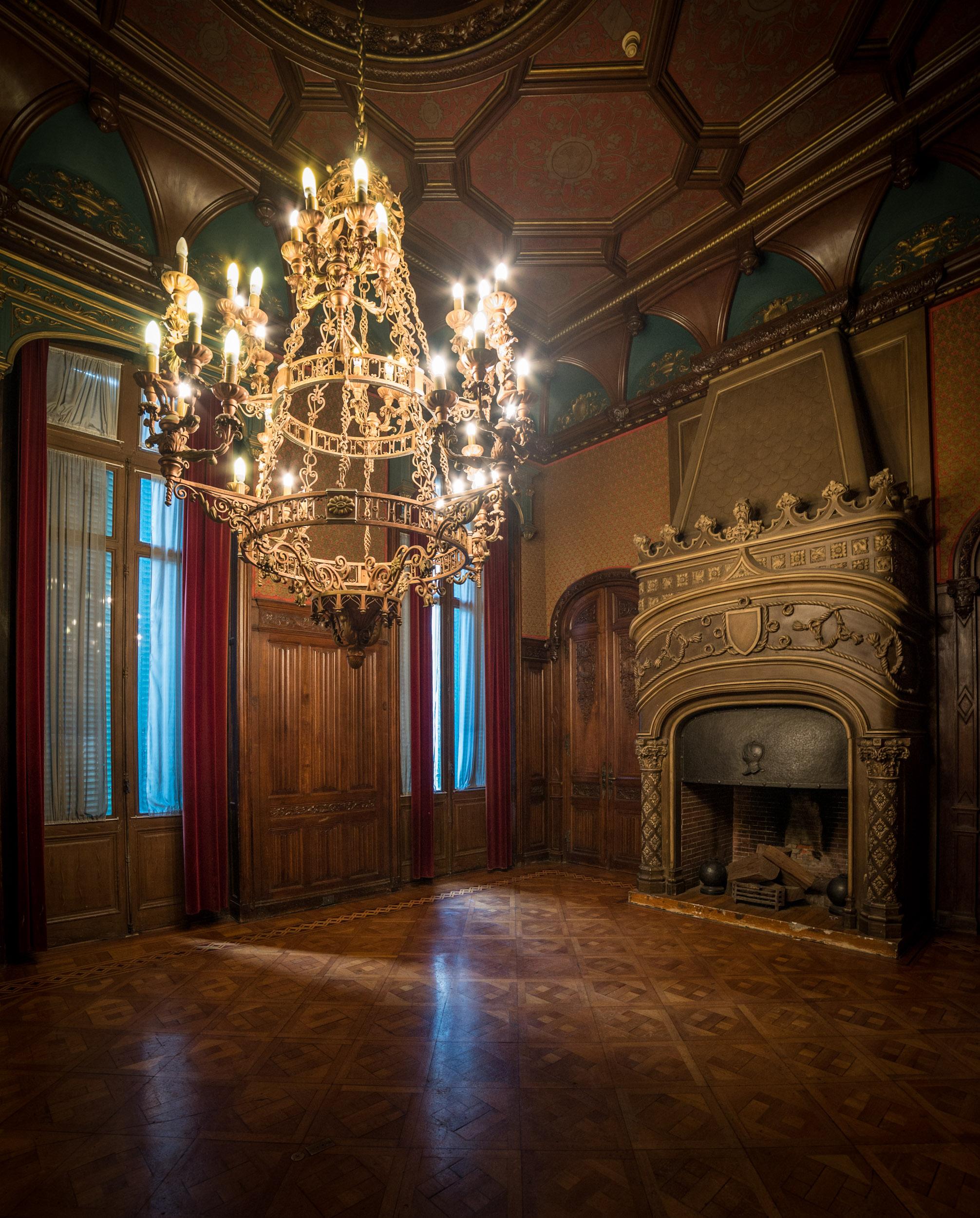 Palacio Paz Fire Place