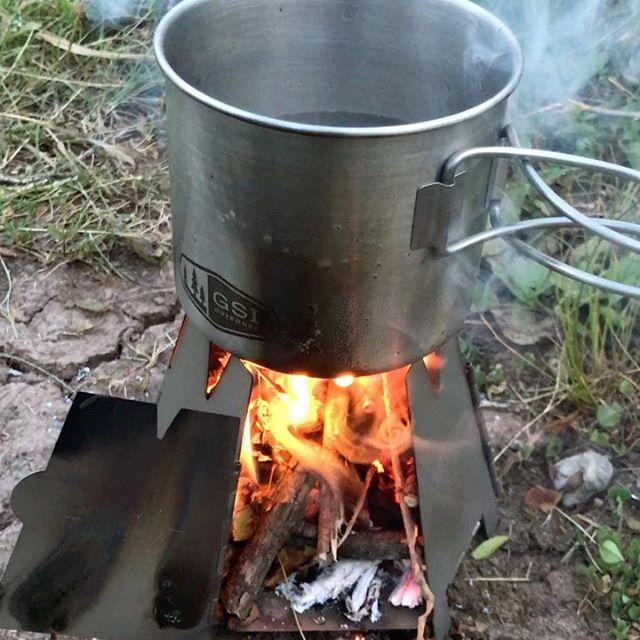 The phenomenal @vargooutdoors titanium wood stove needed some tending, but cooked water quickly for indulgences such as evening curry and morning coffee using only found sticks and leaving no canister.  #vargo  #bikecamping