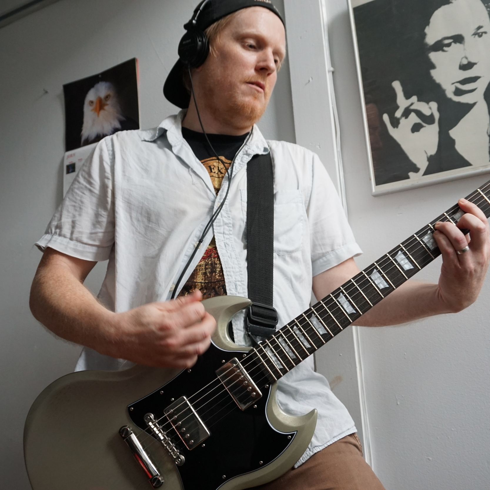 Vocals, Guitar / Dan
