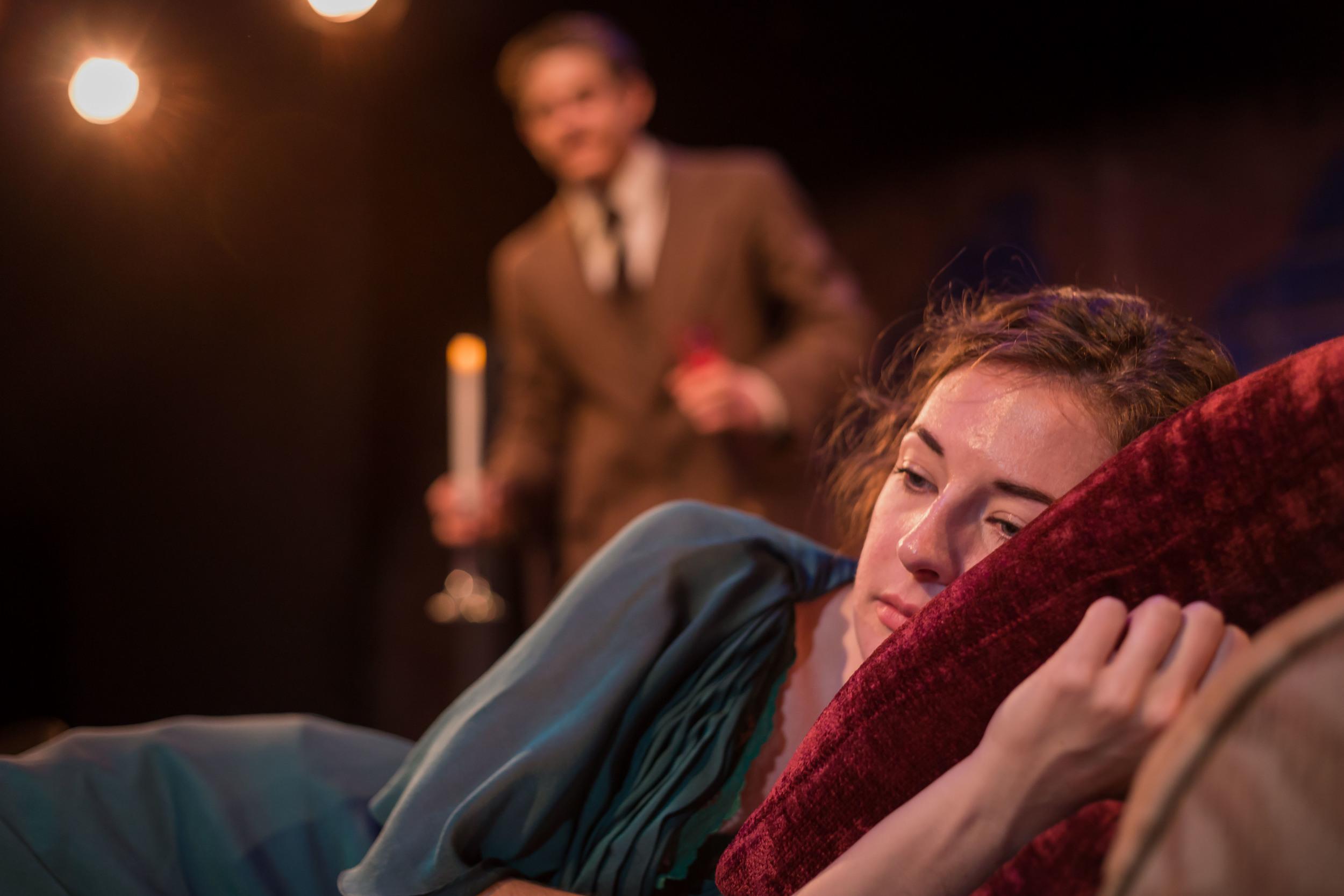 Aubrey Shimek-Davis in 'The Glass Menagerie'