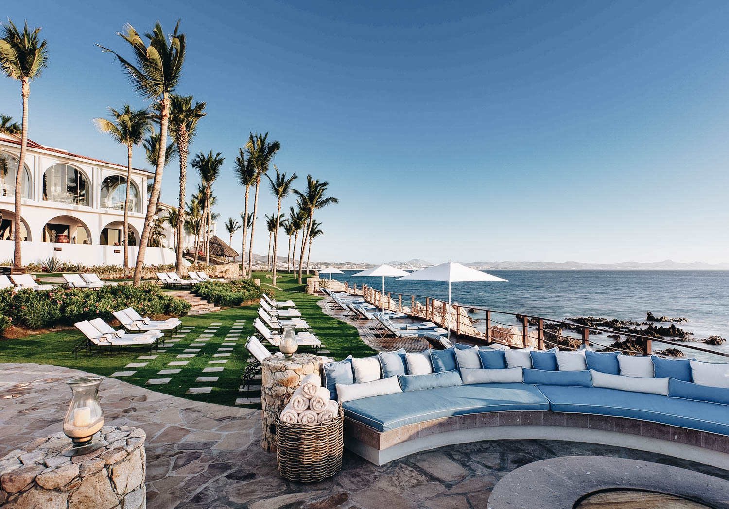 OneAndOnly_Palmilla_PoolsAndBeaches_Pools_VistaPool_002_HR-2048x1432.jpg