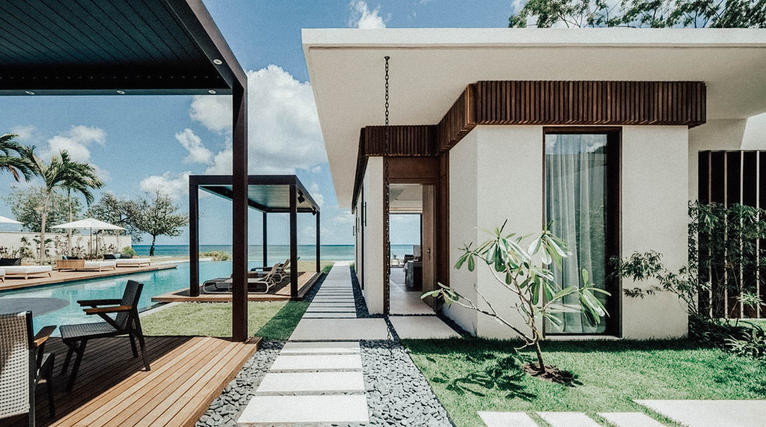 Beachfront Four-Bedroom Villa Two Masters.jpg
