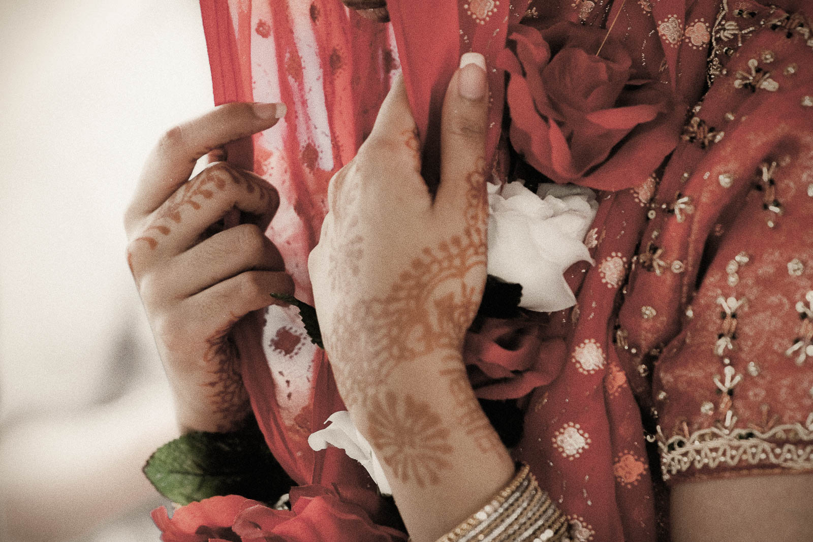 bridal-roses.jpg