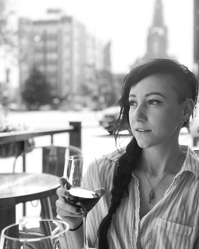 We drink wine in the daytime.