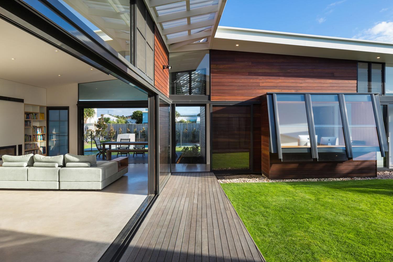 14 Courtyard deck.jpg