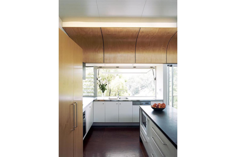 19 Kitchen copy.jpg