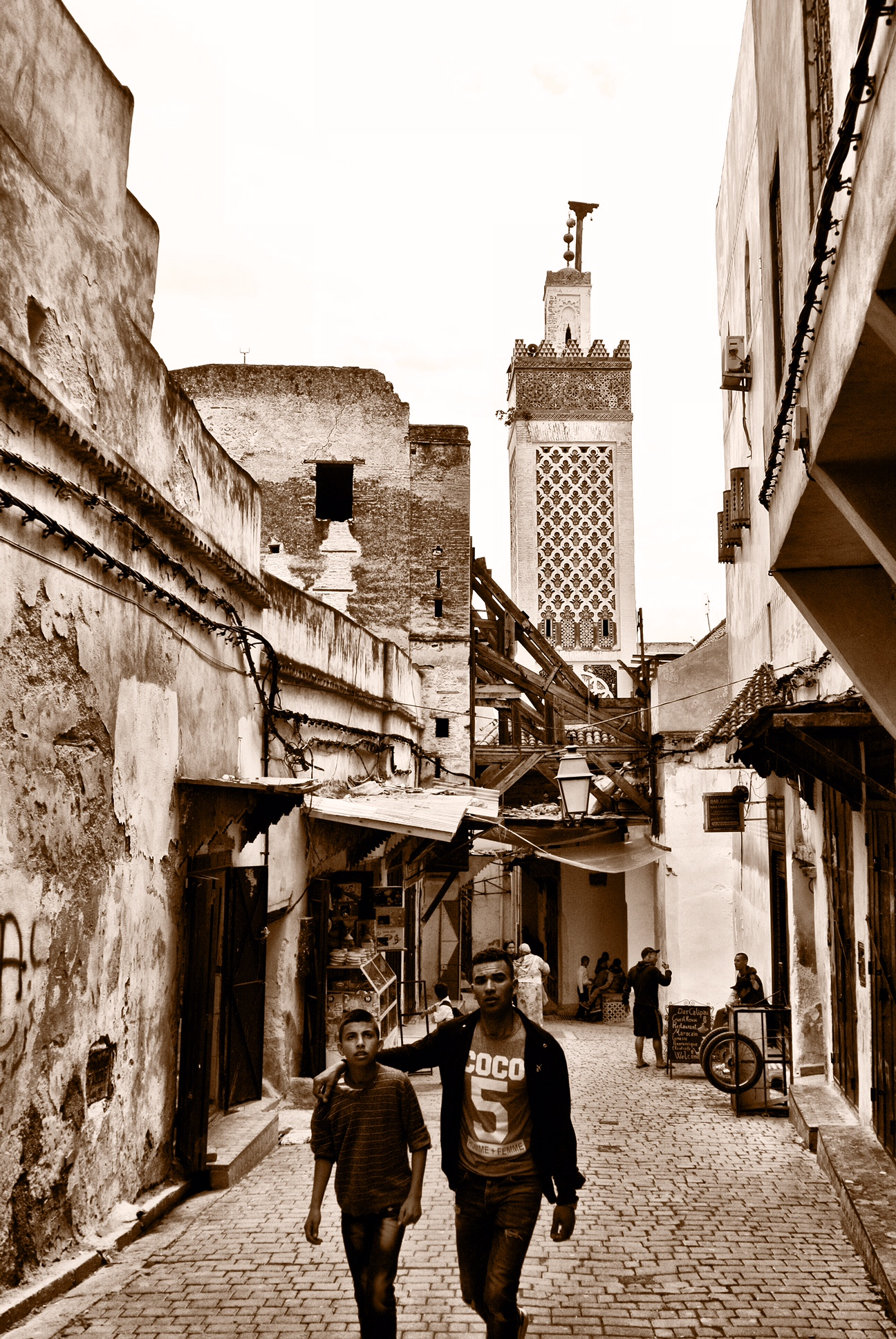Landmarks like mosque towers don't really help you find your way around the medina — there are lots of them, and once you turn a corner, they're gone
