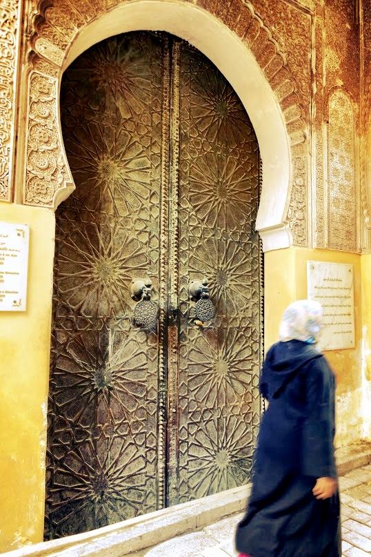 doorwoman.JPG