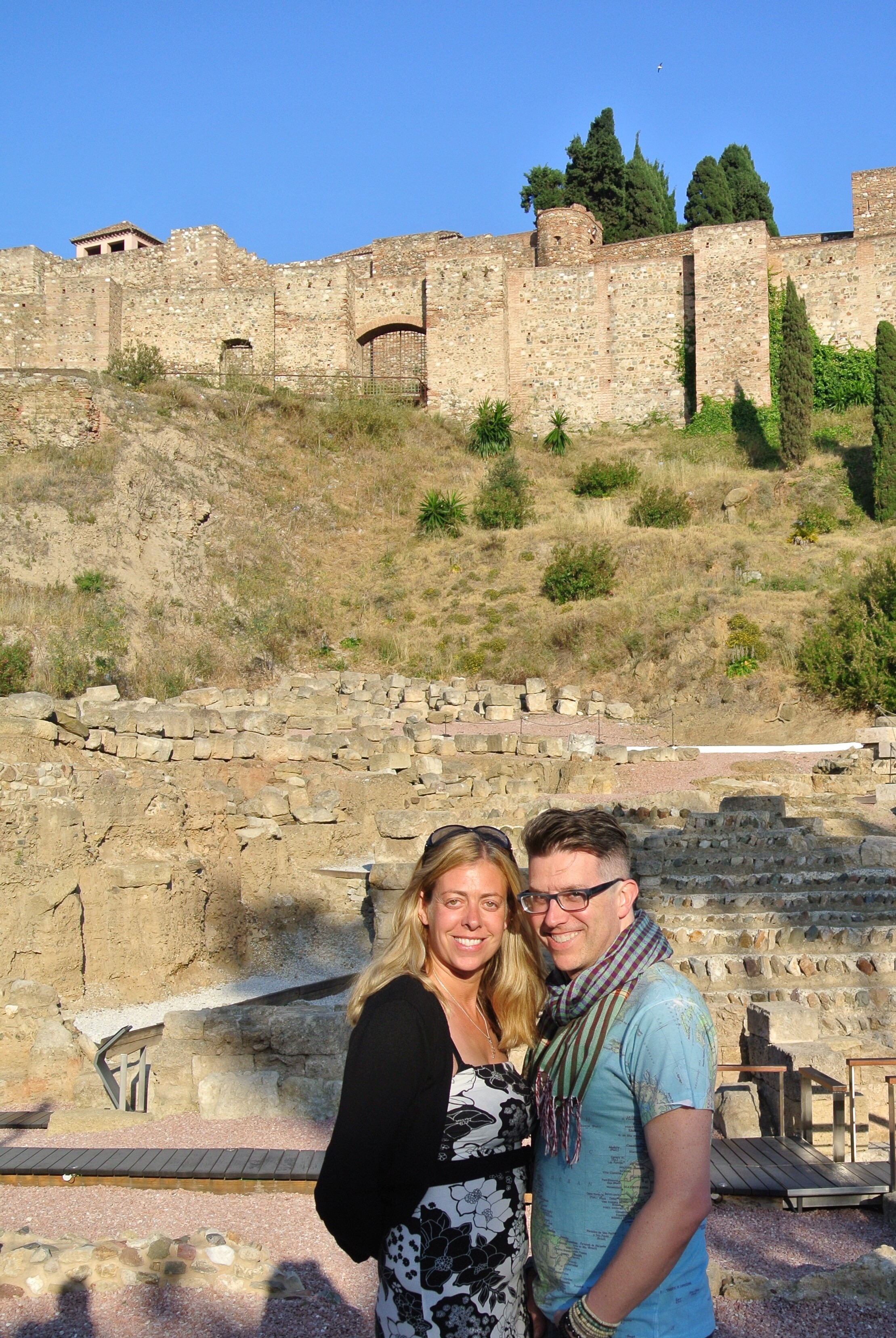 Jo and Wally get ready to explore the Alcazaba