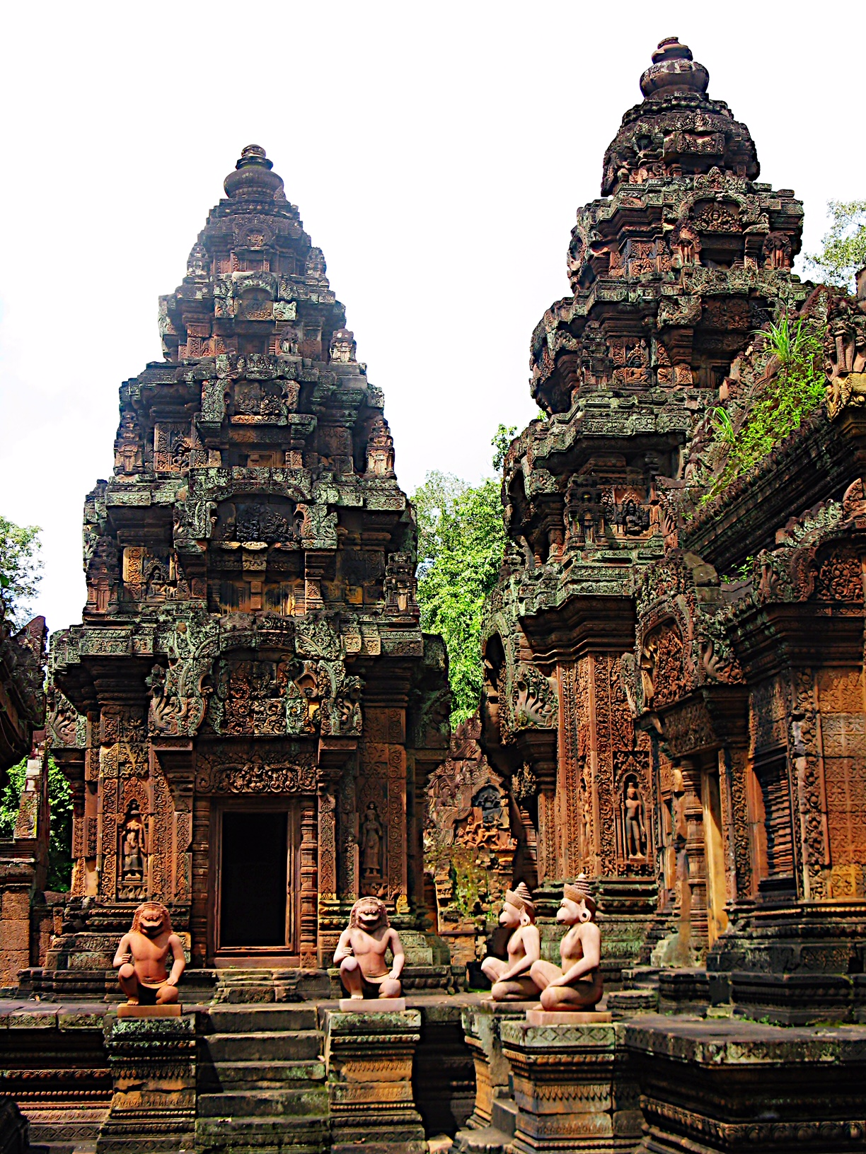 Banteay Srei was a citadel for women that housed libraries