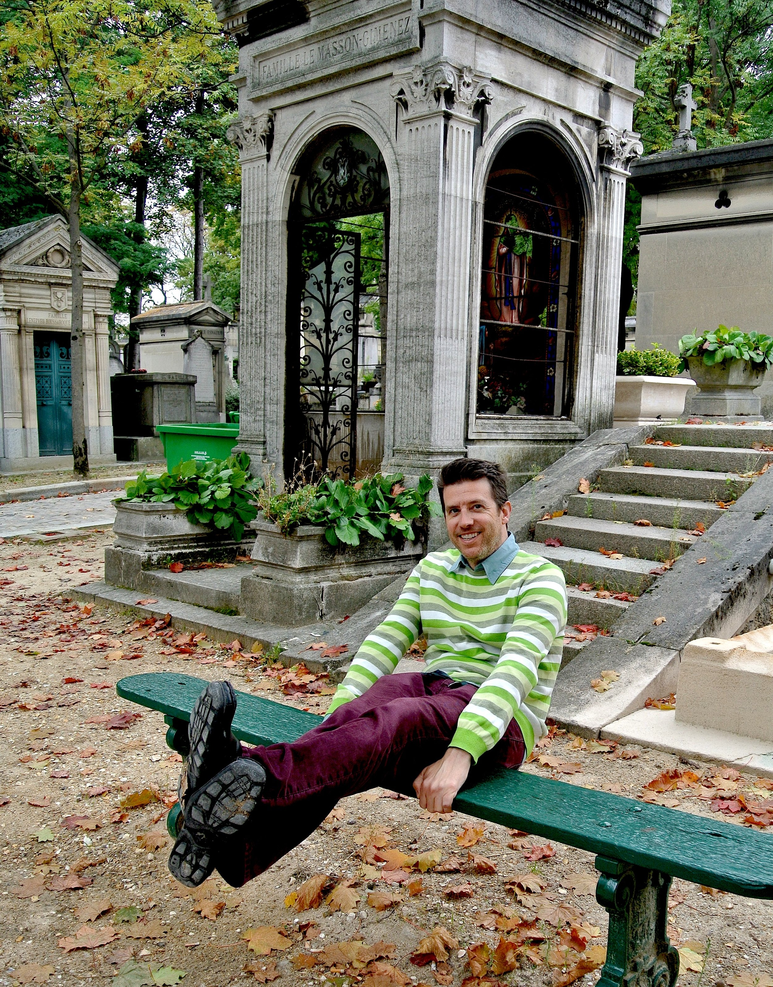 A day spent wandering a cemetery as cool as Père Lachaise sure makes Wally happy